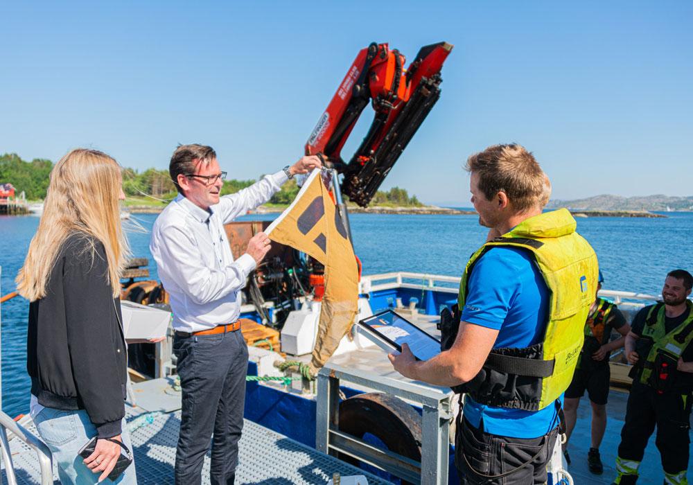 Gullvimpel til kvartalets båt i Frøy